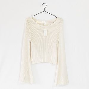 NWT Bell-Sleeved Cozy Cable-Knit Sweater